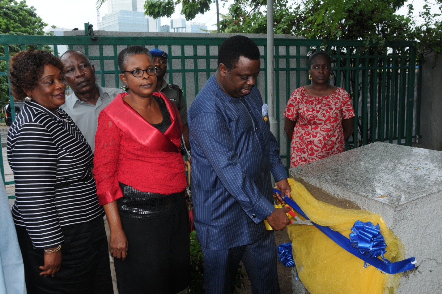 Photo of AMBODE UNVEILS FREE WiFi AT MURI-OKUNOLA PARK